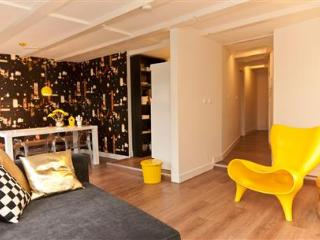 Rembrandt square Apartment C, Amsterdam