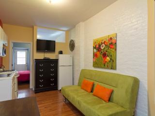 Sleeps 3! 1 Bed/1 Bath Apartment, Upper East Side, Awesome! (8177)