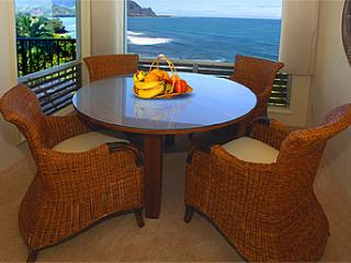 2BR Princeville Condo w/Astounding Views of Mount Makana and Hanalei Bay - WiFi!