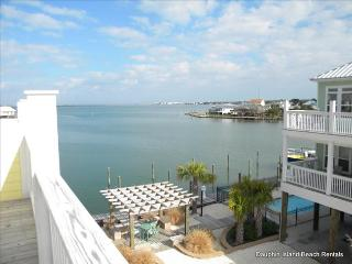 Indian Bay Yacht Club - Waterfront Unit with great Bay View, Dock, Pool Access, Dauphin Island