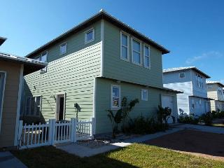 Brand new 4 bedroom 2.5 bath home at Sunrise Cottages!, Port Aransas