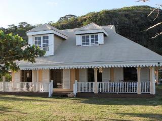 3 bedroom beachfront villa located on Moorea