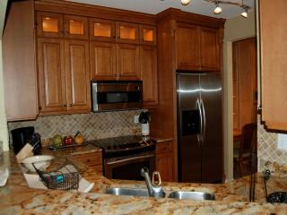 Pelican Bay Laurel Oaks condo, Naples