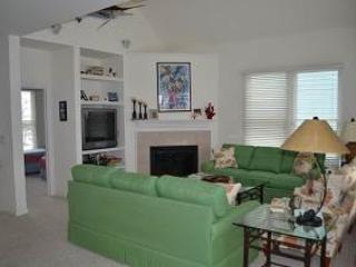 Soundview 4BR w/ covered deck - Village Landings #97, Manteo