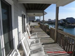 1st Floor Canalfront Porch w/ Outdoor Furniture