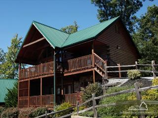 Fireside View   King Suites Hot Tub Pool Access 4 Fireplaces Mtn Views, Gatlinburg