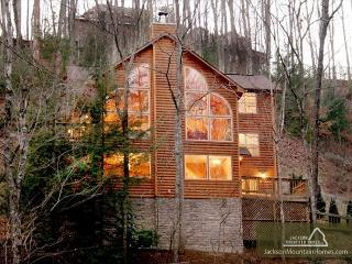 Mountain Majesty   Hot Tub Game Room Privacy WiFi Jacuzzi  Free Nights, Gatlinburg