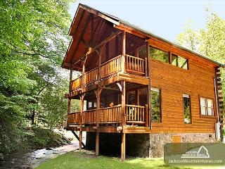 Sparkling Waters   Hot Tub  Gaming  On The Creek  Jacuzzi  Free Nights, Gatlinburg