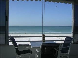 Beautifully maintained 2BR condo w/ Gulf views - 3 North, Siesta Key