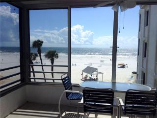 Cozy 2BR on one the finest beaches - 6 North, Siesta Key