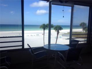 Enjoy spectacular sunsets from this amazing 1BR - 6 South, Siesta Key
