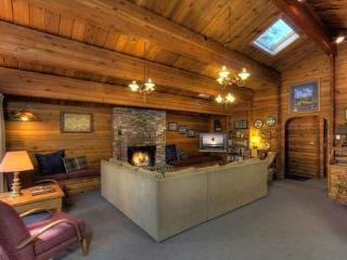 Dillow Log Cabin Tahoe Vacation Rental, Carnelian Bay