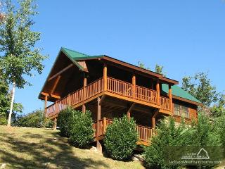 Artistic Mountain  Hot Tub View Clubhouse Jetted Tub Pets  Free Nights, Gatlinburg