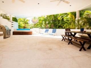 Bosque de los Aluxes UNIT 102- Private Pool 3 bed