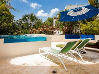 Bosque de los Aluxes Blue Style- 3 bedrooms condo with private pool for 8!