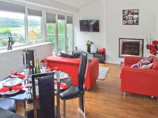 MASSON VIEW APARTMENT, en-suite, WiFi, Jacuzzi bath, delightful views