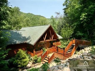 Aah-Some River Lodge   On the River Private Hot Tub WiFi   Free Nights, Gatlinburg