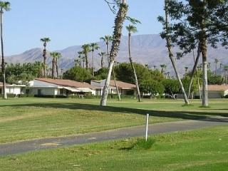 DQ125 - Rancho Las Palmas Country Club - 2 BDRM + DEN, 3.5 BA