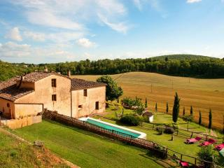 Villa,Pool, Hot tub,free WiFi,15km from Siena