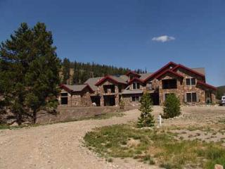 One Mile from the Golf Course - Designed for Large Groups (2345), Breckenridge