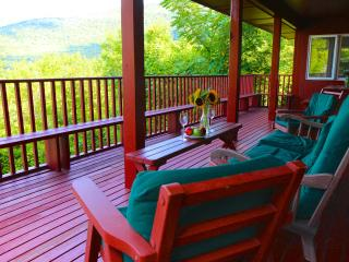 Best views in Vermont! Fireplace, deck, ski, pool, Manchester