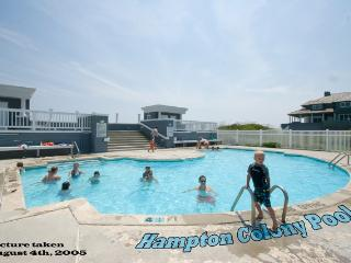 Hampton Colony Pool