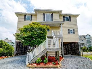 Hampton Colony 380 Oceanfront-B Lot!   Community Pool, Hot Tub, Internet, Wedding Friendly, Jacuzzi  Discounts Available- See Description!!, North Topsail Beach