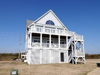 Island Drive 4294 Oceanfront-B Lot! | Internet, Community Pool, Hot Tub, Elevator, Jacuzzi, North Topsail Beach