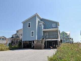 Hampton Colony 636 Oceanfront-B Lot! | Community Pool, Wedding Friendly, Jacuzzi, North Topsail Beach