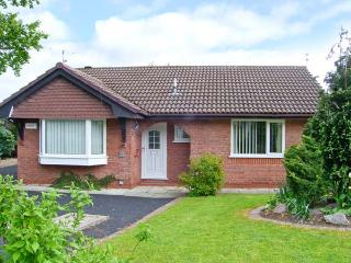 BREVE REST, ground floor accommodation, en-suite facilities, enclosed garden in Abergele, Ref: 12797