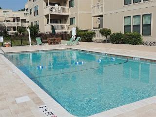 Affordable, Clean, Cozy 2 Bedroom Ocean Bridge Vacation Home in Myrtle Beach SC