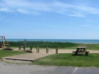 SURFSIDE Condominium Resort 1 Bedroom Lake Huron, Oscoda