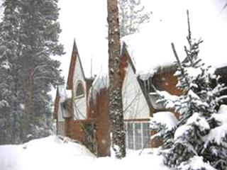 Quick Shuttle Ride to Slopes - Private Home  (6012), Breckenridge