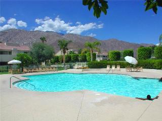 Plaza Villas Getaway K0321, Palm Springs