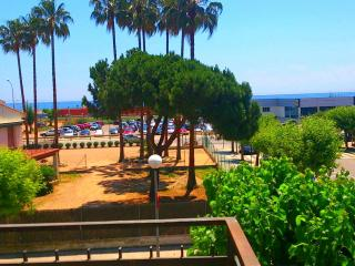 Oceanfront apartament  100m train, Cabrera de Mar