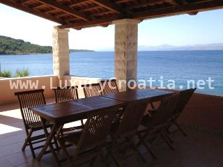 Seafront house for Rent, island of Solta, Solta Island