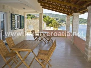 Seafront house for rent - island of Solta