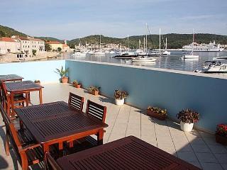 Seaside studio apartments for rent, Vis island, Island of Vis