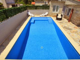 House with pool for rent, Zrnovo, Korcula