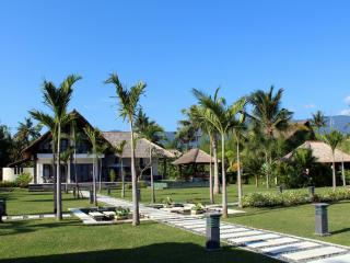 Beachfront Luxury Villa in the North Bali, Seririt