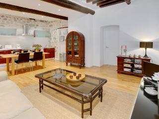 Lulla Loft - AVAILABLE FOR GRAND PRIX AND CANNES FILM!