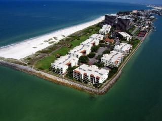 Lands End #201 building 9 - Beach Front, Treasure Island