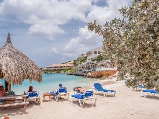 CasaCuracao@Ocean Resort; Beachfront paradise*****