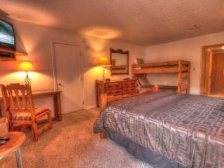 CM217H Copper Mtn Inn Hotel Rm - Center Village, Copper Mountain