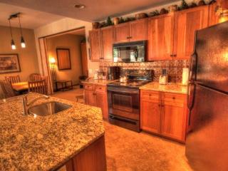 CO422 Copper One Lodge 2BR 2BA - Center Village, Copper Mountain