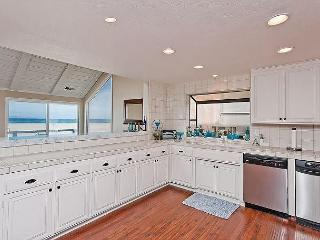 Oceanfront Gorgeous Home with Breathtaking Views!, Oxnard