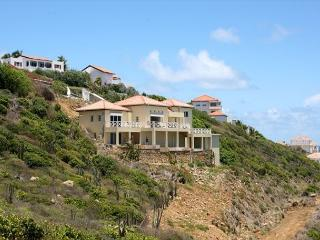 Caribella: Villa overlooking the azur ocean & St. Barths | Island Properties