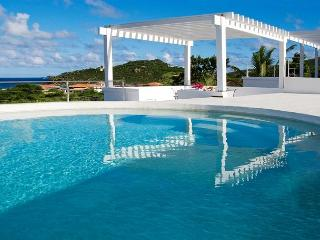 Revitalizing pool