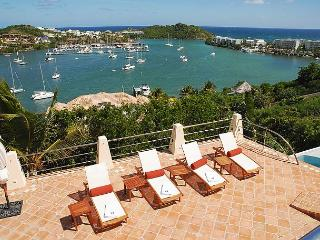 Chic 4 Bedroom Villa overlooking Oyster Pond, St. Maarten