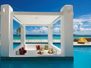 Beachfront Villa at Coral Beach Club offering 3 Bedrooms/3.5 Bathrooms, St. Maarten-St. Martin